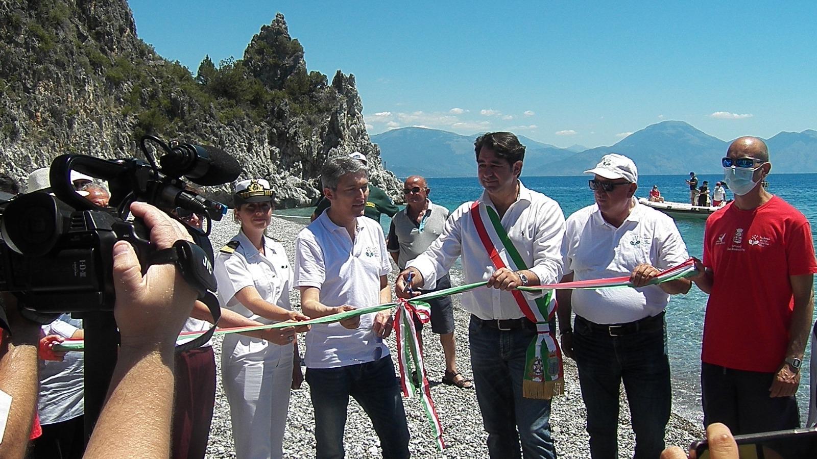 Riaperta a Scario la spiaggia della Resima e siglato il Protocollo d'Intesa per la salvaguardia e la sicurezza dell'AMP